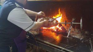 Cağ kebabı cooking