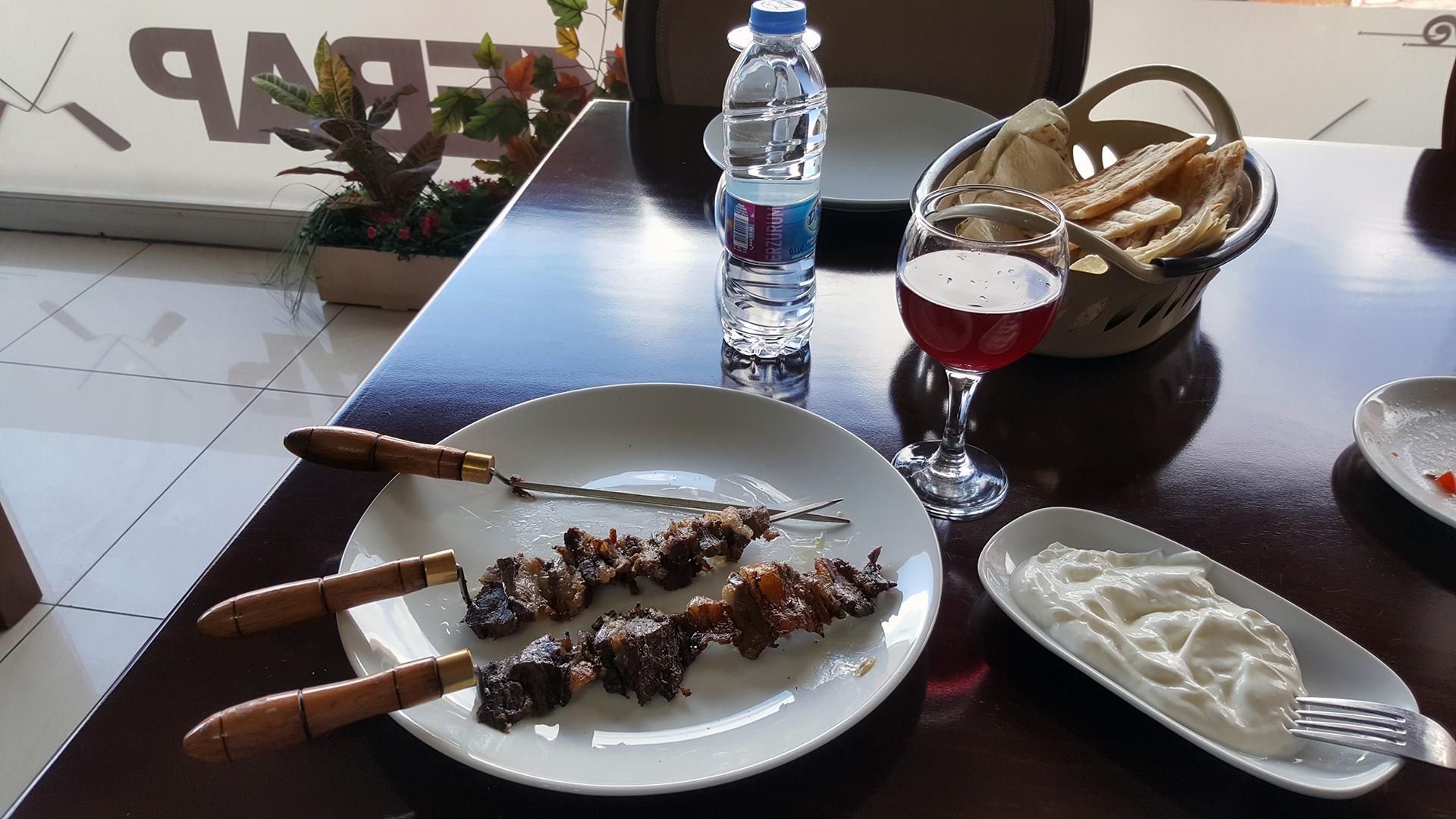 Cağ kebabı (Джа кебаб)