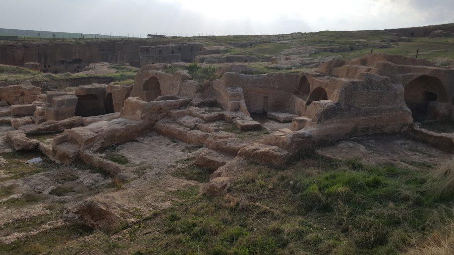 По всей видимости, к моменту заката Дары город мертвых был по площади не многим меньше, чем город живых.
