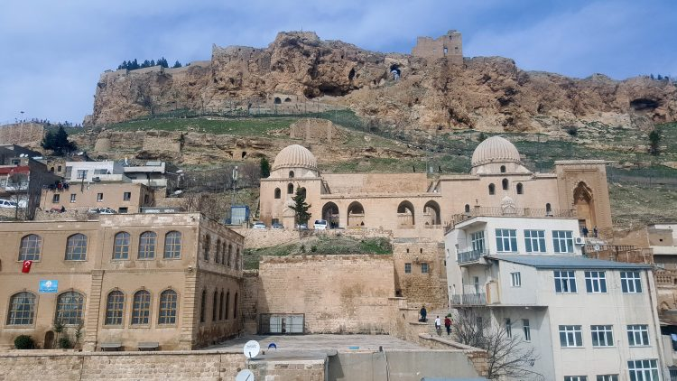 """Крепость в Мардине (Mardin Kalesi), также известная как """"Гнездо орла"""""""