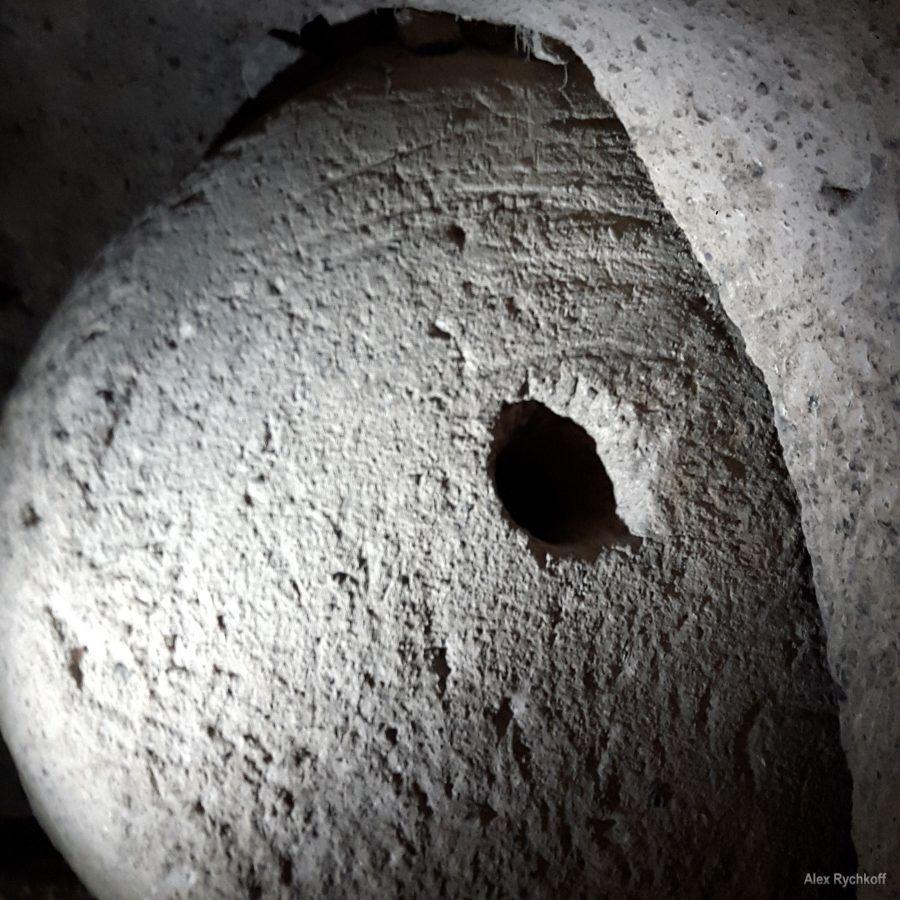 """""""Дверями"""" в подземных городах Каппадокии были огромные каменные колеса"""
